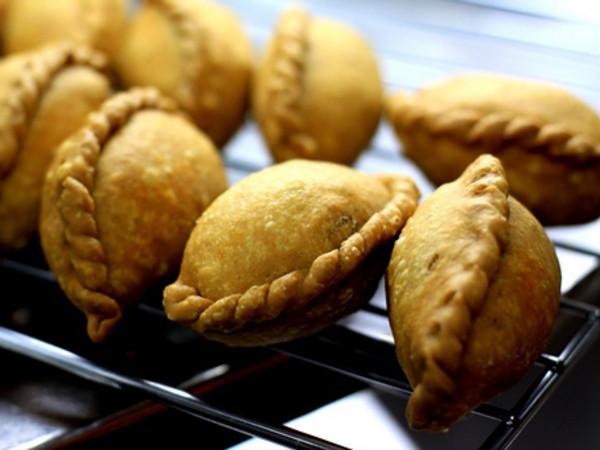 Entertaining Recipe : Vegetarian Curry Puffs
